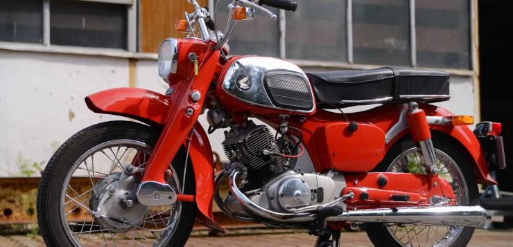 Honda C 92 Pressstahlrahmen