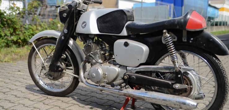 Markanter Tank der Honda CB 92