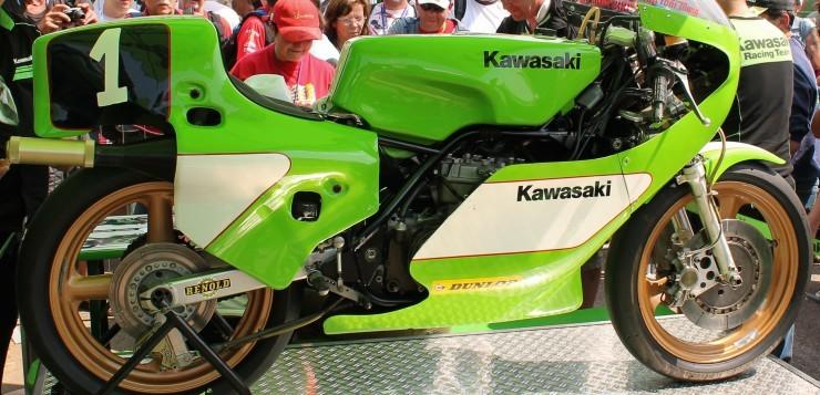 Auf der Kawasaki KR 350 wurde Toni Mang zweimal Weltmeister